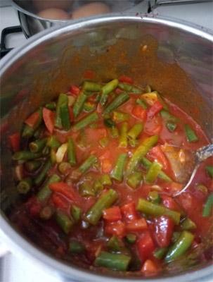 שעועית ירוקה ברוטב עגבניות ונענע